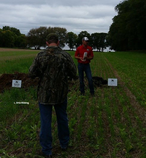 Educator and participant at the Healthy Soil-Healthy Water Cover Crop showcase